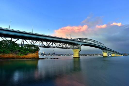 新西兰北岛旅游景点-奥克兰海港大桥(Auckland Harbour Bridge)