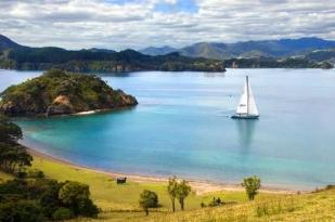 新西兰北岛三日游-奥克兰,派希亚,探索岛屿湾,九十哩海滩,雷旺角灯塔,石中洞
