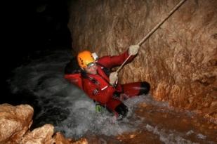 新西兰南岛洞穴探险(Adventure Caving)