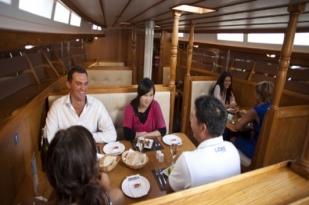 新西兰北岛-风帆游艇晚餐游