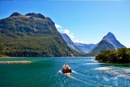 新西兰南岛-米佛峡湾之声-大巴/游船/飞机(Milford Sound Flights)