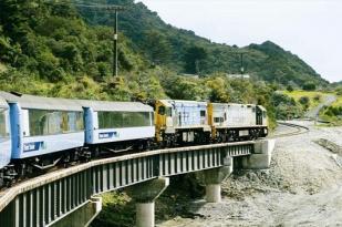 新西兰太平洋海岸号观景火车基督城-凯库拉-皮克顿单程交通(Coastal Pacific)