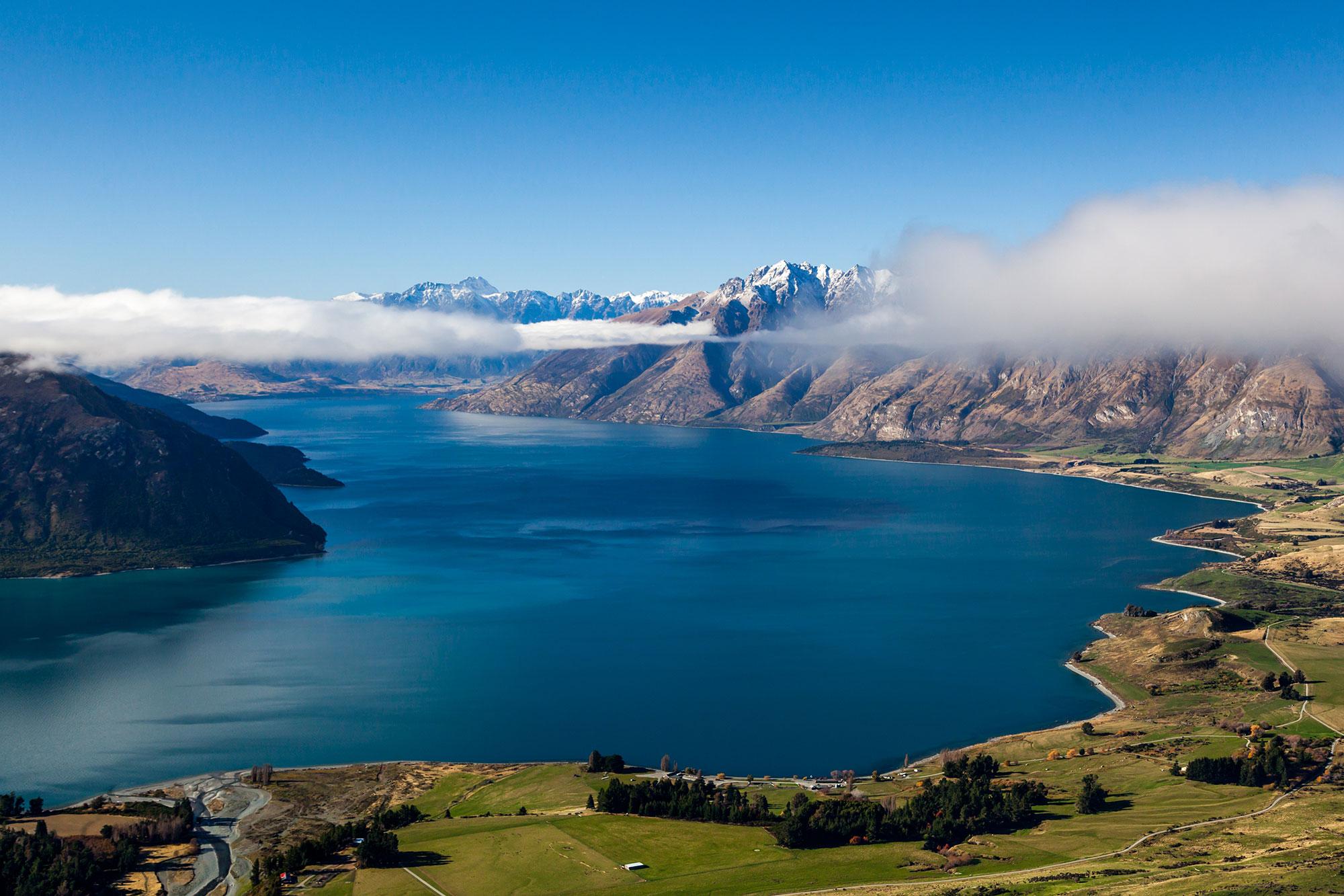 新西兰南岛-瓦卡蒂普湖(Lake Wakatipu)