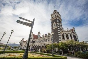 新西兰南岛-但尼丁火车站(Dunedin Railway Station)